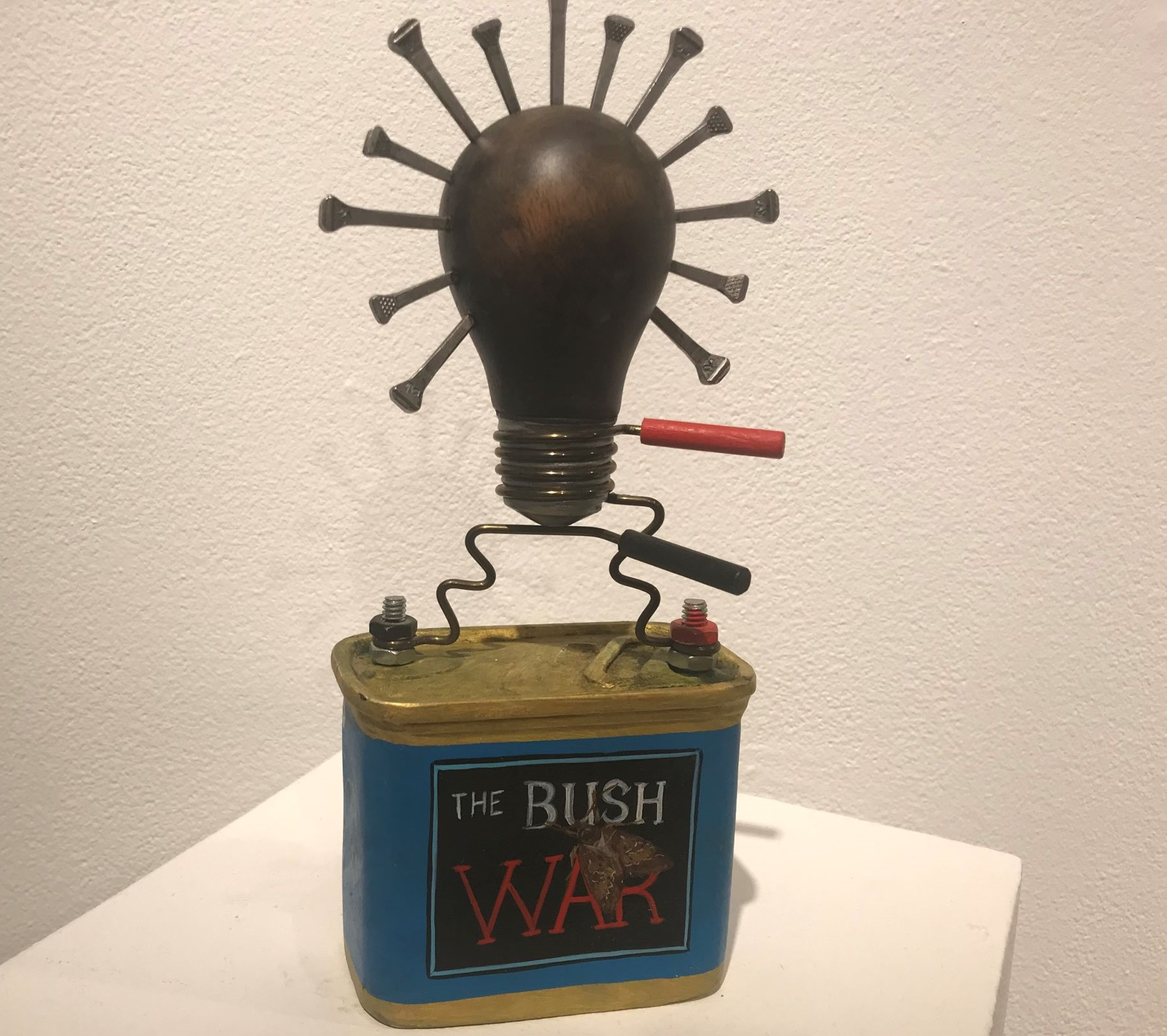 Sculpture, Battery box and lightbulb with points